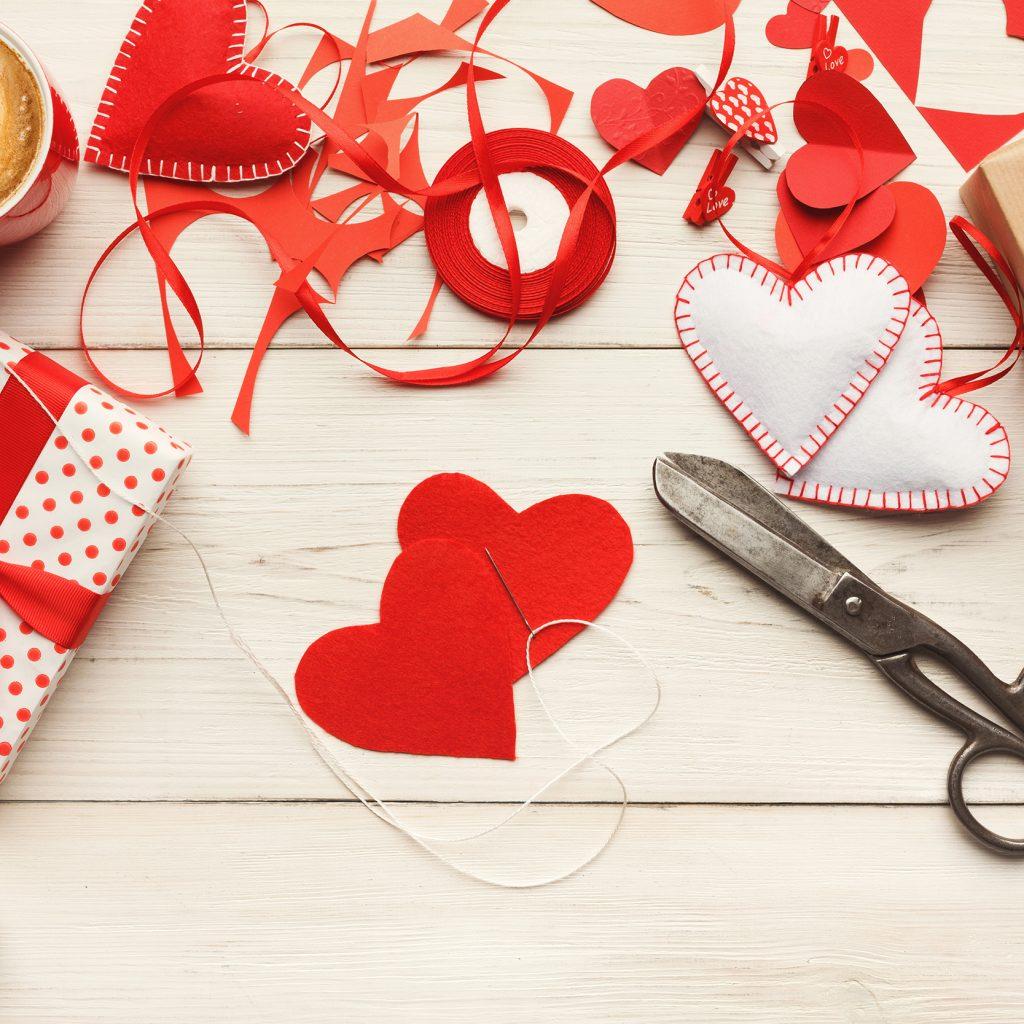 Die Cut Silhouette Loving Couple Cameo x 10 Cardmaking Scrapbook Craft Valentine